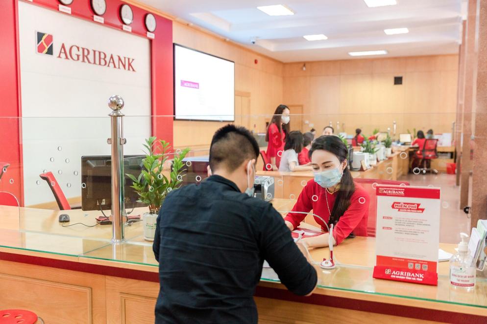 Agribank tiếp tục miễn 100% phí dịch vụ tại các tỉnh, thành phố thực hiện Chỉ thị 16
