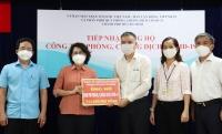 TP.HCM: Đảng viên ngân hàng ủng hộ 715 triệu đồng cho người bị ảnh hưởng dịch Covid-19