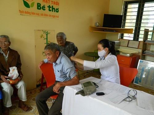 Prudential Việt Nam tài trợ khám và cấp phát thuốc cho người nghèo