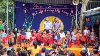 Công đoàn Ngân hàng Việt Nam: Tưng bừng ngày hội trăng rằm