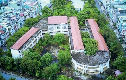 Vì sao những ngôi trường bỏ hoang?