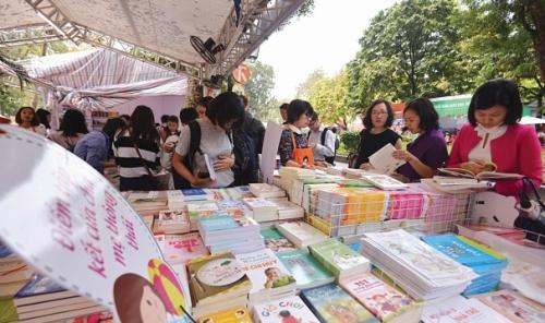 Vui buồn ngành xuất bản Việt