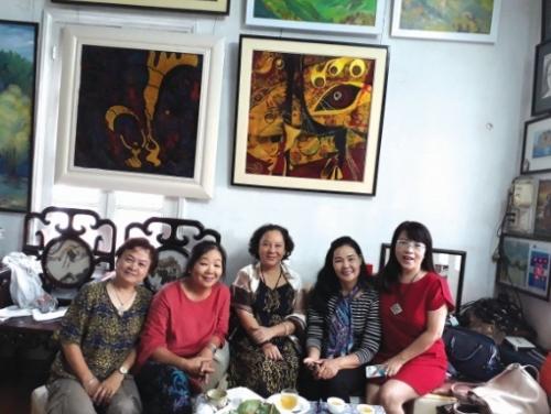 Những nữ nghệ sĩ kết nối bằng sắc màu