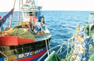 Ngư dân lâm cảnh khó