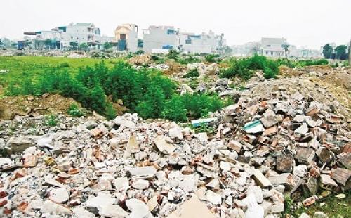 Vấn nạn đổ trộm chất thải xây dựng