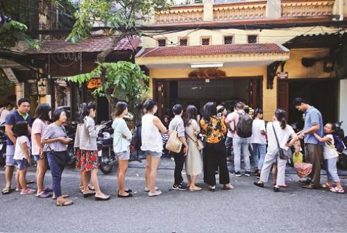 Phở chờ và văn hóa ẩm thực người Hà Nội