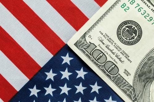 Kinh tế Mỹ tăng trưởng cao hơn dự báo, nhưng…