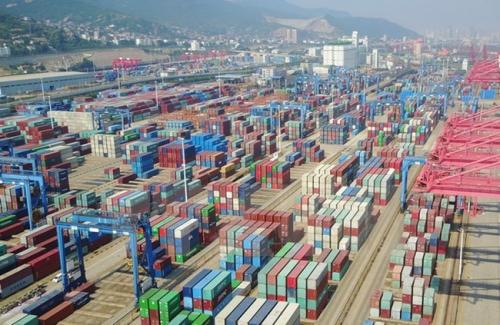 Vận chuyển hàng hóa của Trung Quốc đang đà giảm
