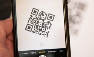 """QR Code: """"Đòn bẩy"""" đẩy mạnh thanh toán online"""