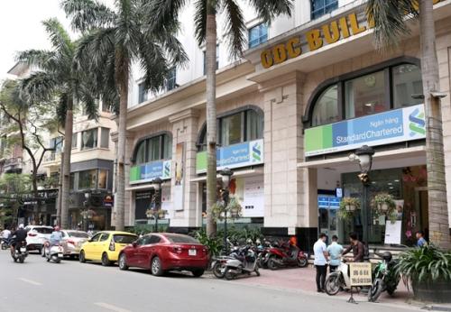 """Standard Chartered được vinh danh """"Ngân hàng quốc tế tốt nhất Việt Nam"""""""