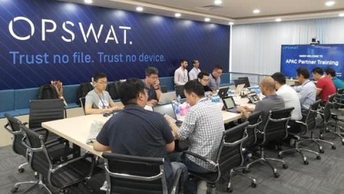 OPSWAT ra mắt chương trình đào tạo bảo vệ cơ sở hạ tầng trọng yếu