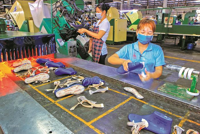 Thị trường lao động vẫn còn nhiều khó khăn