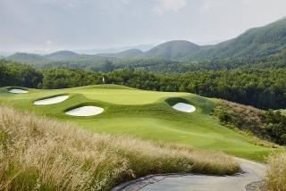 """Sân golf của Sun Group lần thứ 4 liên tiếp là """"Sân Golf tốt nhất châu Á"""""""