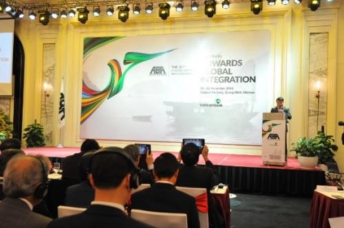 Ngân hàng châu Á: Hướng tới hội nhập toàn cầu