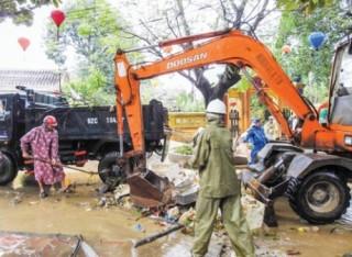 Hội An khẩn trương khắc phục lũ lụt phục vụ APEC