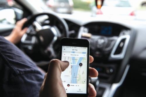 Sẽ siết chặt quản lý taxi công nghệ?