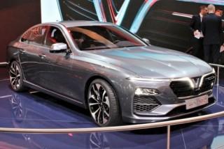 So sánh nhanh hai phiên bản VinFast Lux A2.0 giá từ 800 triệu đồng