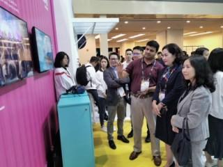 Phó Thống đốc Nguyễn Thị Hồng tham dự sự kiện Fintech Singapore 2019