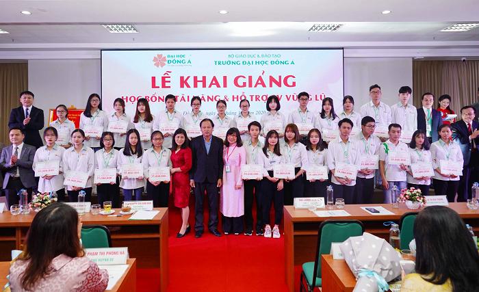 Đại học Đông Á hỗ trợ sinh viên vùng bão lũ