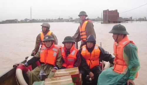 Không để người dân thiếu cơm, lạt muối, đứt bữa trong thiên tai, lũ lụt