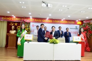 Vietcombank và Savico ký kết hợp tác chiến lược
