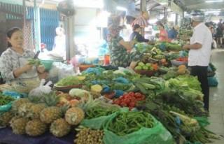 Sau mưa lũ, giá rau xanh phi mã