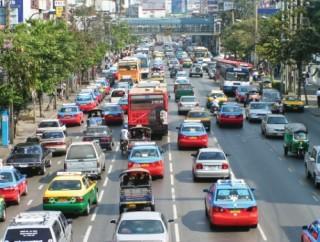 ASEAN: Khó tăng trưởng mạnh khi rủi ro gia tăng