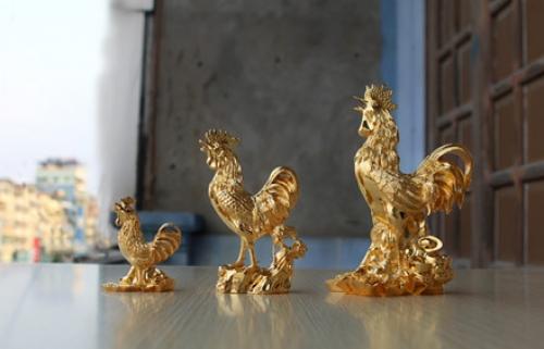Tìm hiểu về các sản phẩm vàng có biểu tượng gà may mắn cho năm 2017