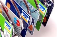 Tư vấn quản lý tài chính khi sử dụng thẻ ghi nợ quốc tế